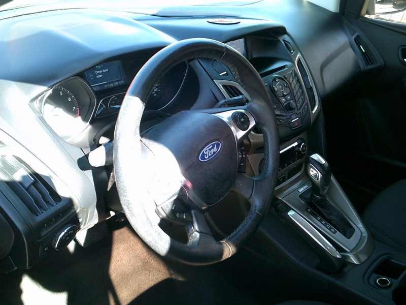 Ford Focus 2012 price $2,000 Down