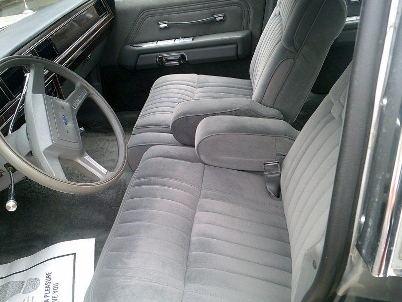 Ford Crown Victoria LTD 1987 price $8,950