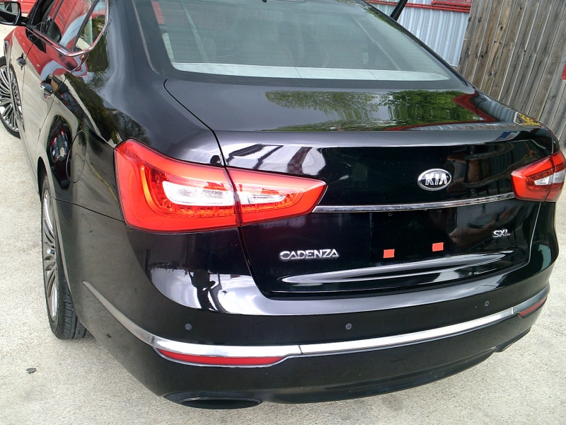 Kia Cadenza 2014 price $12,950