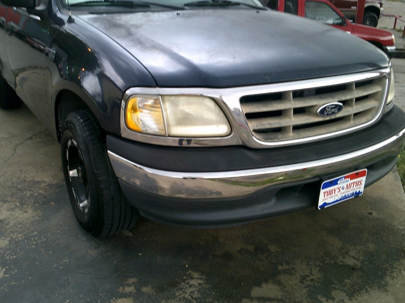 Ford F-150 2000 price $1,700 Down