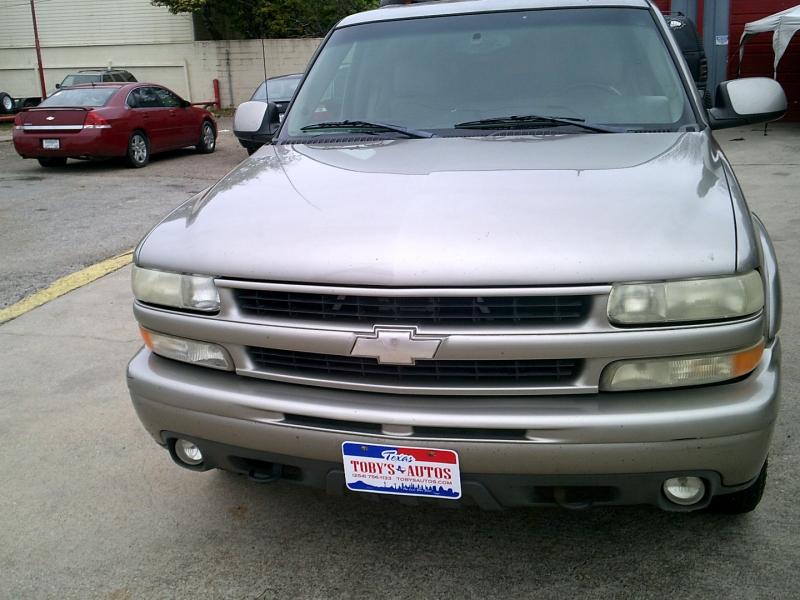 Chevrolet Suburban 2003 price $2,000 Down