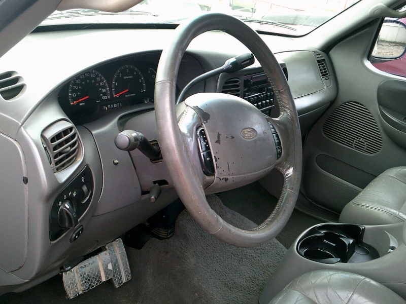 Ford F-150 SuperCrew 2001 price $1,250 Down