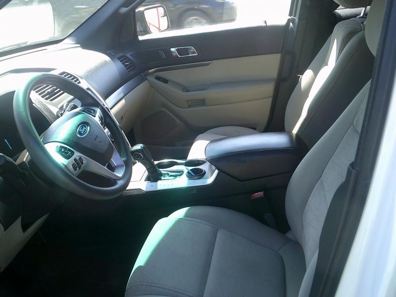 Ford Explorer 2015 price $11,900