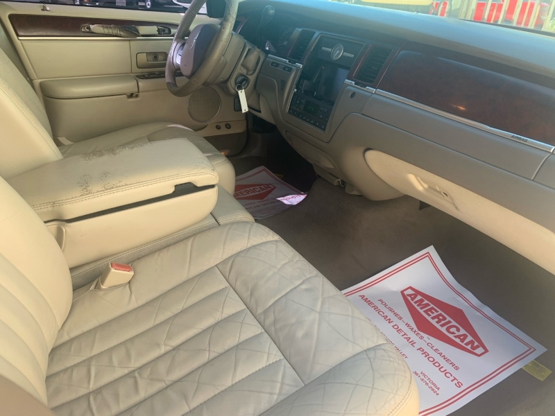 Lincoln Town Car 2005 price Call for Pricing.