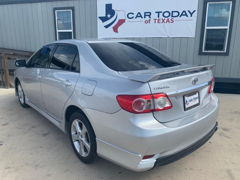 Toyota Corolla 2012 price $1,695
