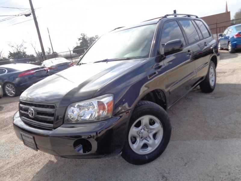 Toyota Highlander 2005 price $9,995