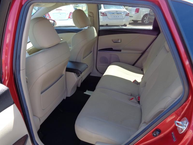 Toyota Venza 2013 price $13,995
