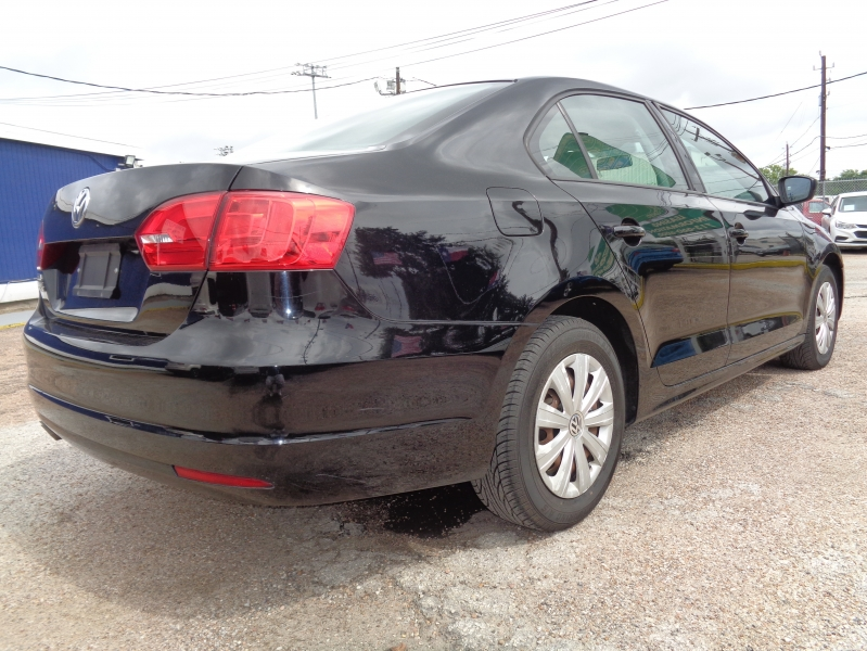 Volkswagen Jetta Sedan 2014 price $12,995