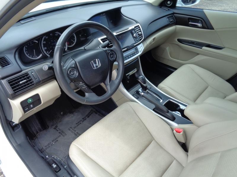 Honda Accord Sedan 2014 price $17,995