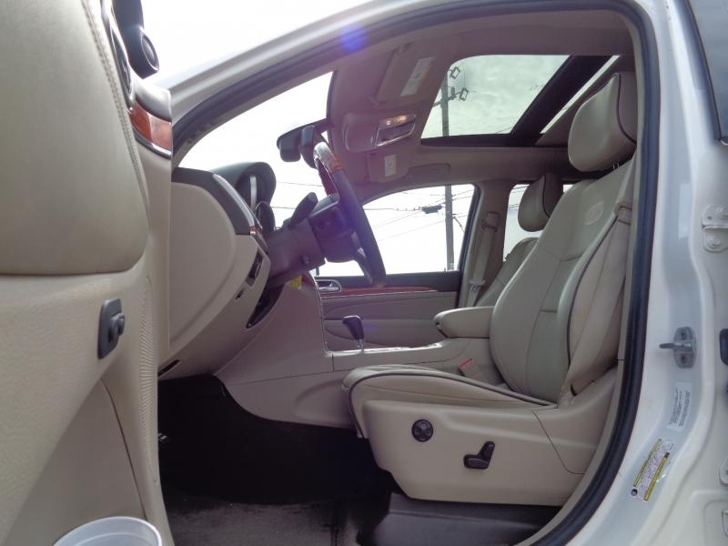 Jeep Grand Cherokee 2011 price $19,995