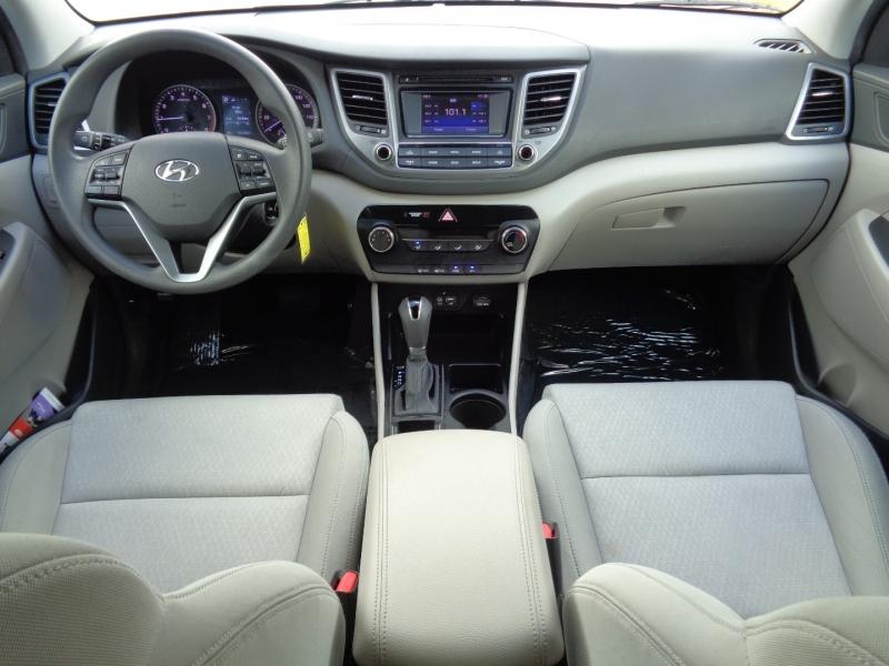 Hyundai Tucson 2016 price $15,995