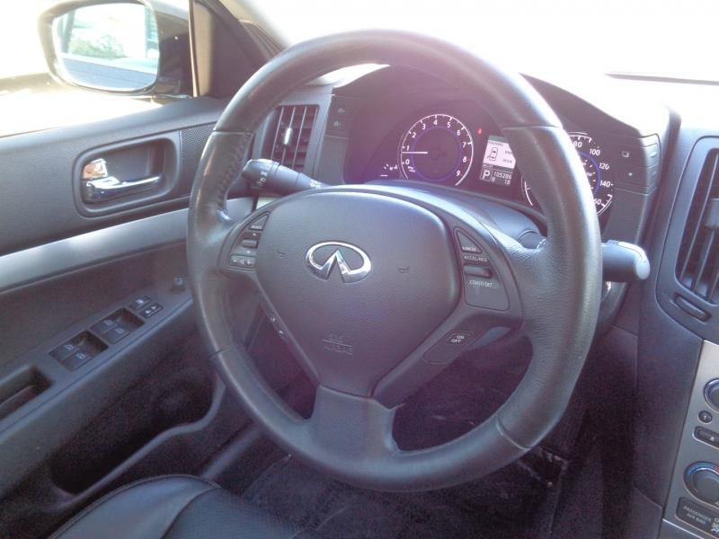 Infiniti G25 Sedan 2011 price $15,995