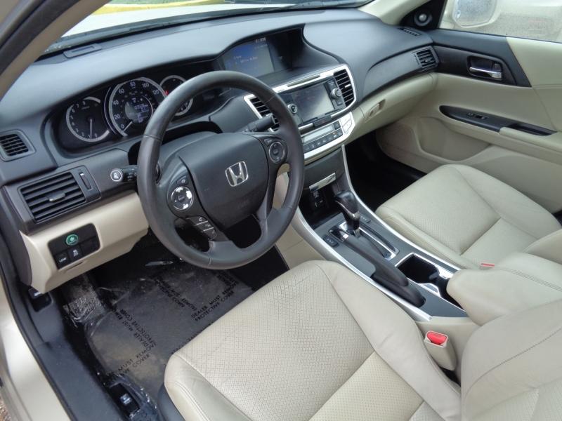 Honda Accord Sdn 2013 price $16,995