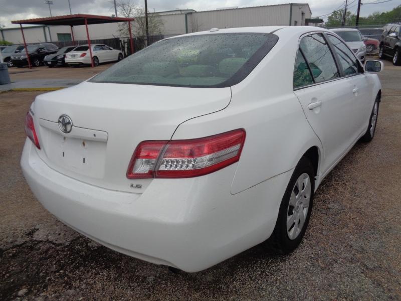 Toyota Camry 2011 price $12,995
