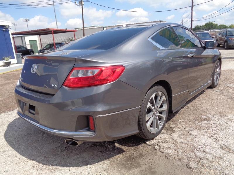 Honda Accord Cpe 2013 price $20,995