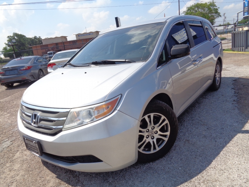 Honda Odyssey 2012 price $16,995