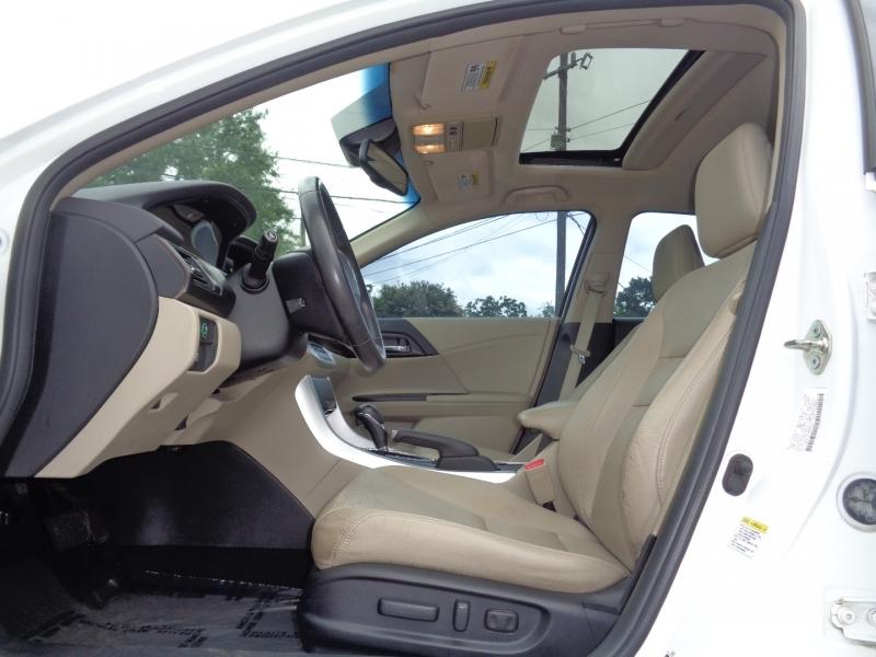 Honda Accord Sedan 2014 price $18,995