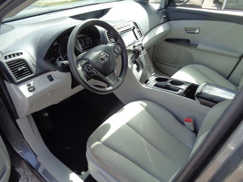 Toyota Venza 2015 price $18,995