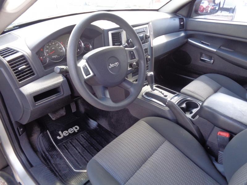 Jeep Grand Cherokee 2009 price $13,995