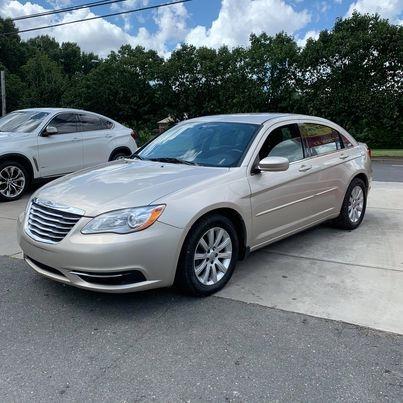 Chrysler 200 2013 price $5,900