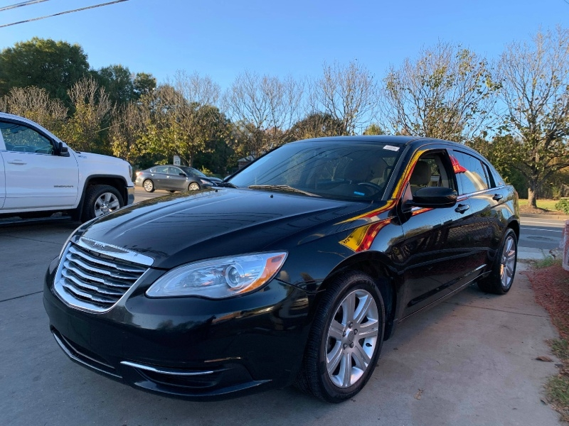 Chrysler 200 2013 price $5,900