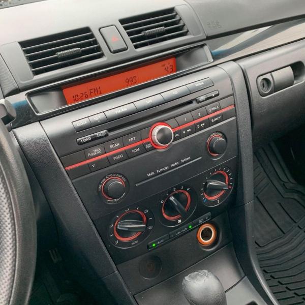 Mazda 3 2006 price $2,900 Cash