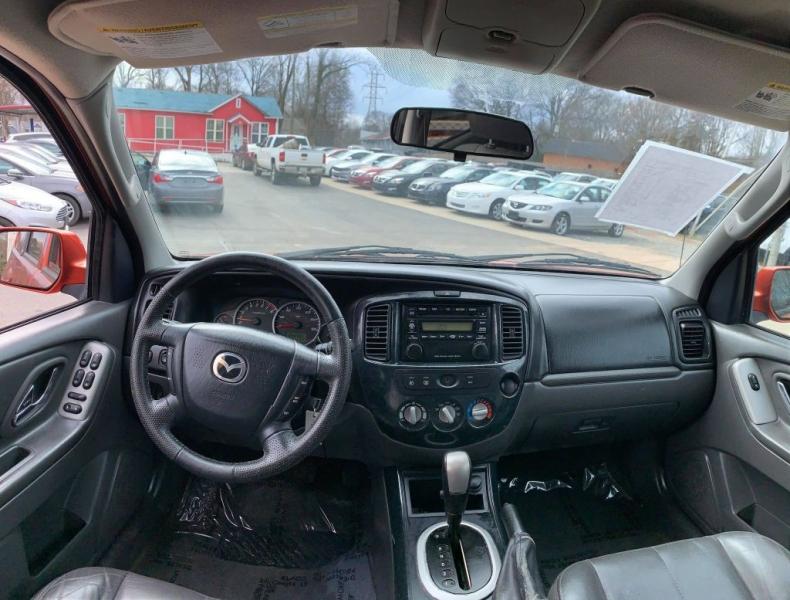 Mazda TRIBUTE 2005 price $2,900