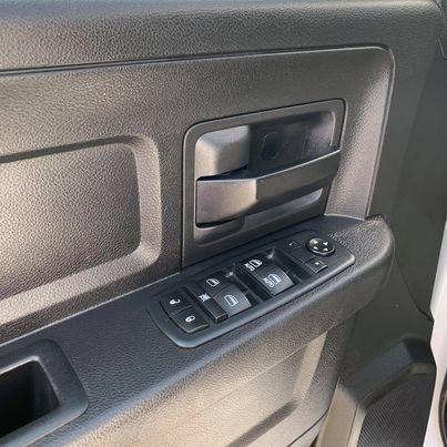 Dodge Ram 1500 2016 price $18,900