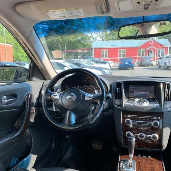 Nissan MAXIMA 2009 price $8,900
