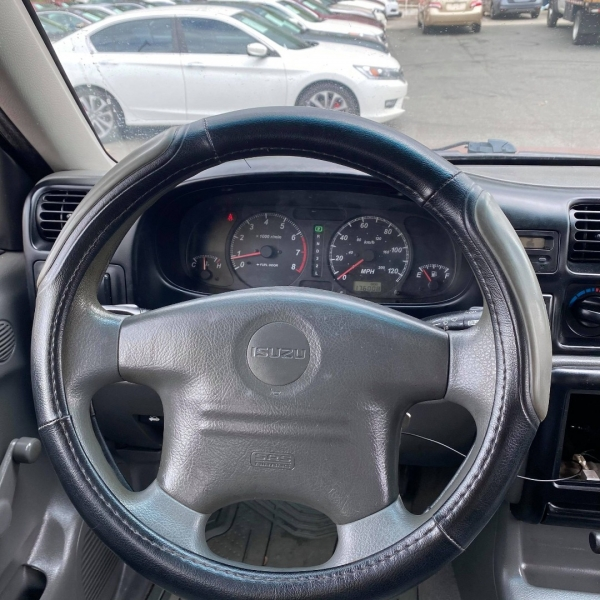 ISUZU RODEO 2000 price $3,900