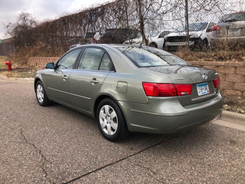 Hyundai SONATA 2009 price $2,700