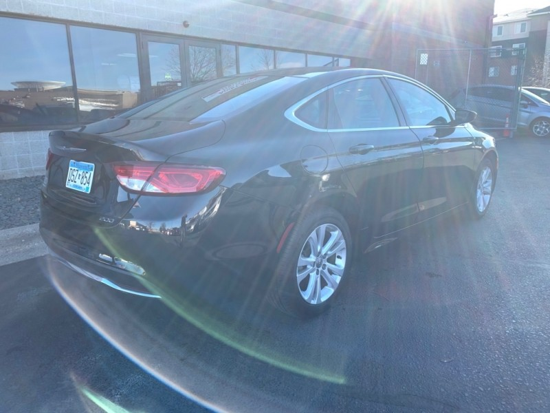 Chrysler 200 2016 price $7,999