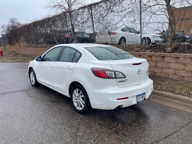 Mazda 3 2012 price $3,800