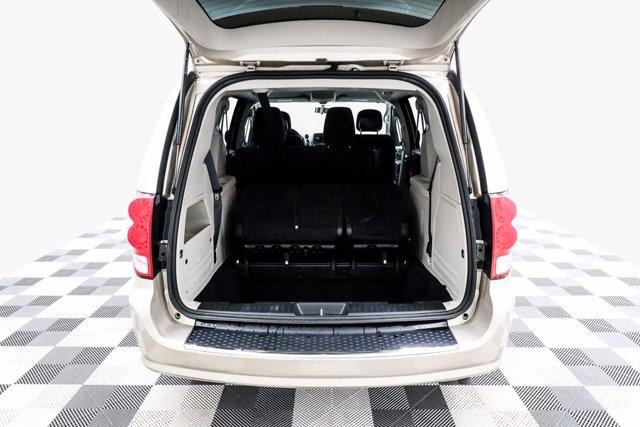 Dodge Grand Caravan 2016 price $22,800