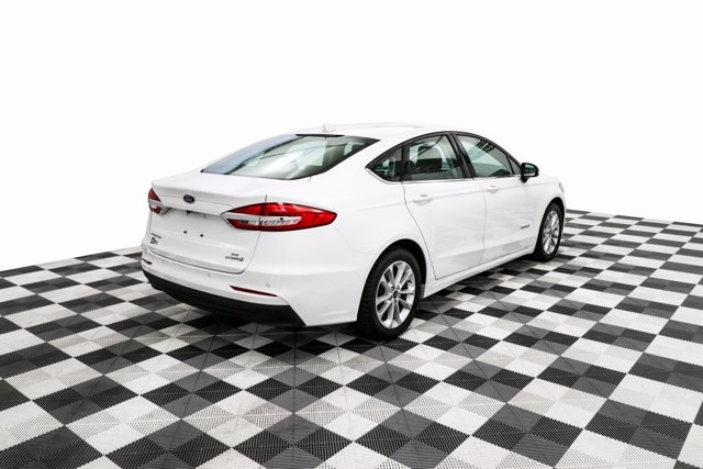 Ford Fusion Hybrid 2019 price $28,800