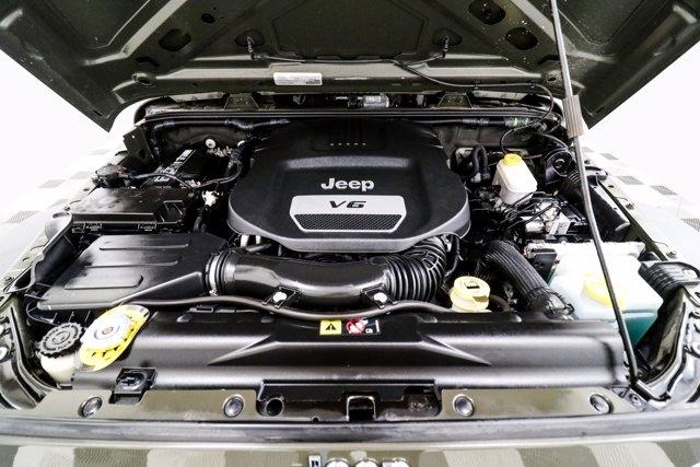 Jeep Wrangler 2015 price $33,800