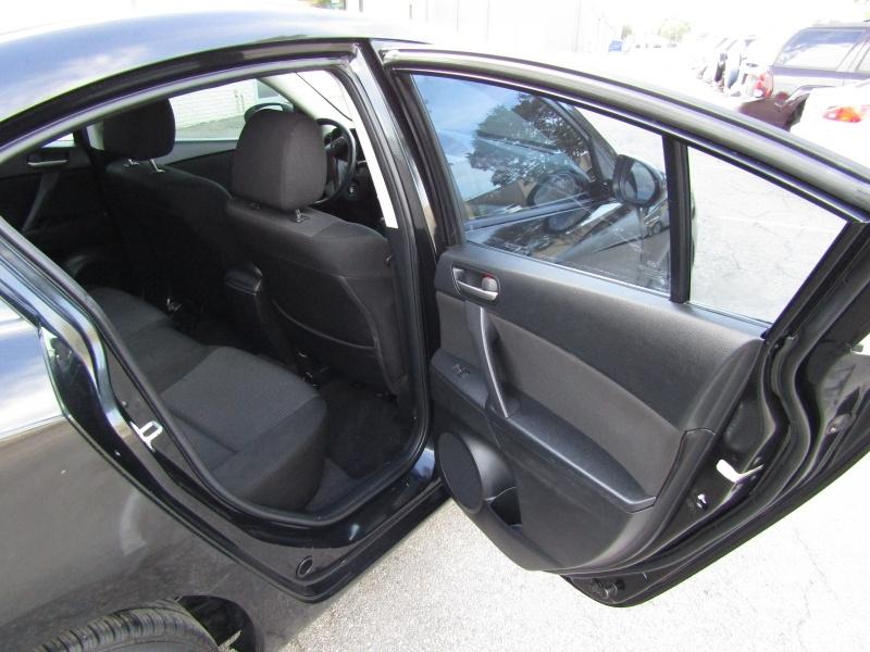 Mazda Mazda3 iTouring 1 Owner Roof 2012 price $6,995 Cash