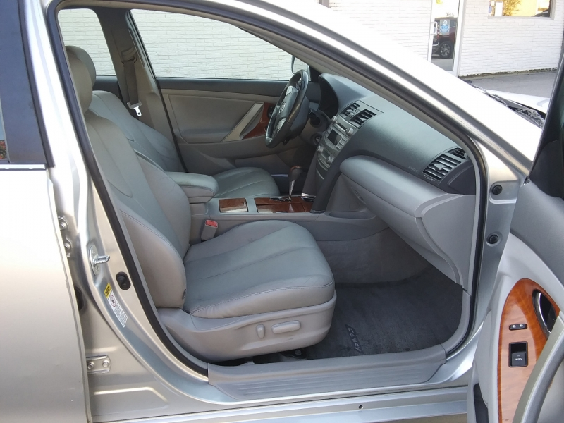 Toyota Camry XLE Leather Roof 2011 price $4,995 Cash