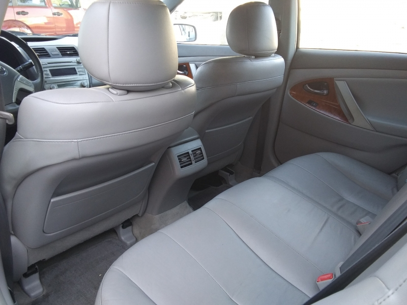 Toyota Camry XLE Leather Roof 2011 price $3,995 Cash