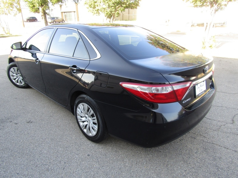 Toyota Camry LE Auto 1 Owner 2017 price $8,495 Cash