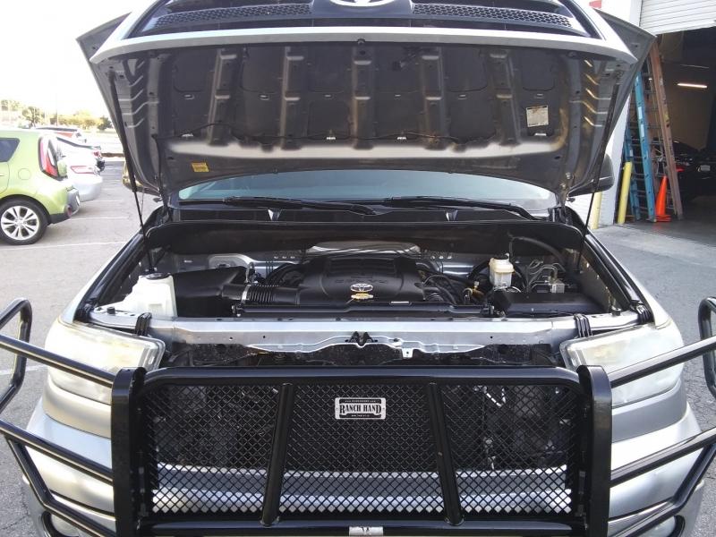 Toyota Tundra 4WD 5.7Li One Owner 2012 price $14,995 Cash