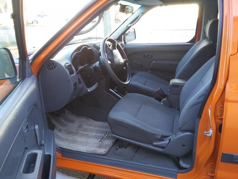 Nissan Xterra Manual 1 Owner 2.4L 2003 price $5,995 Cash