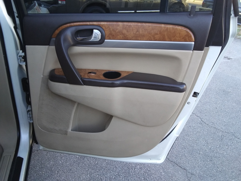Buick Enclave Prem Nav DVD Roof 2012 price $10,995 Cash