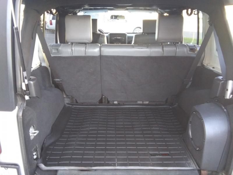 Jeep Wrangler Sahara 4DR Leather 2007 price $12,995 Cash