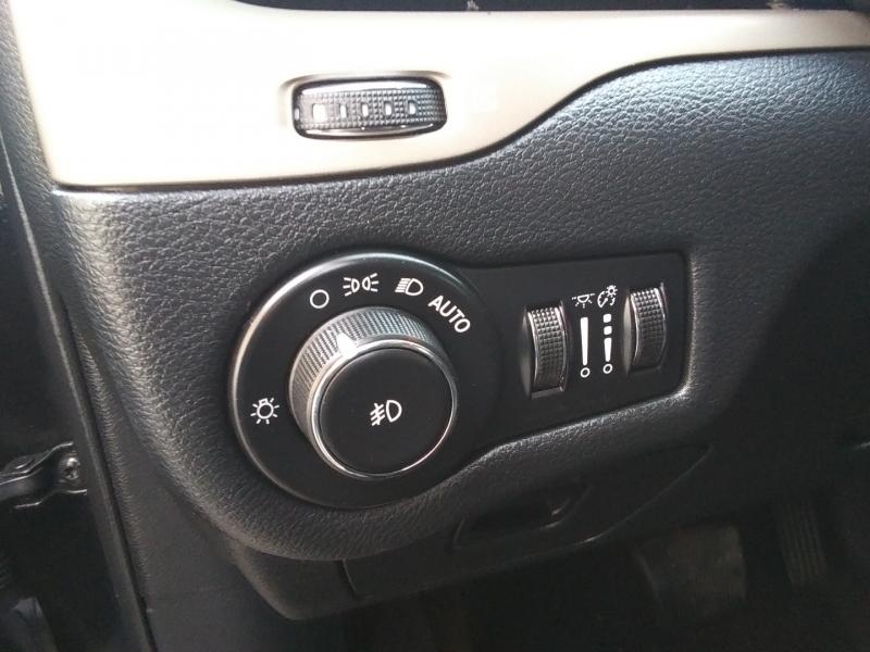 Jeep Cherokee Latitude 1 owner 2016 price $14,995 Cash
