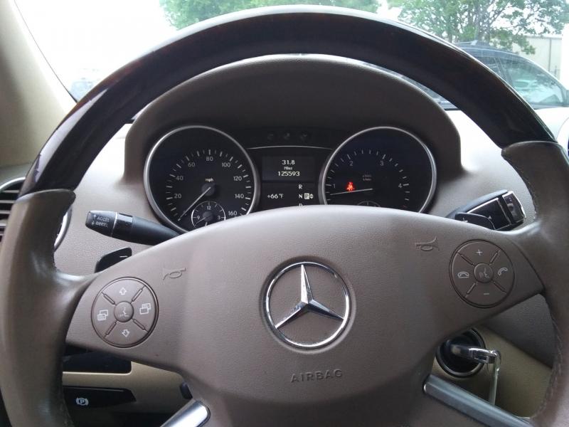 Mercedes-Benz ML 350 Blue TEC 1 Owner 2011 price $12,995 Cash