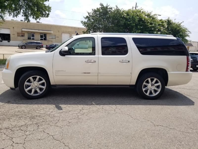 GMC Yukon XL Denali AWD 2011 price $17,995 Cash