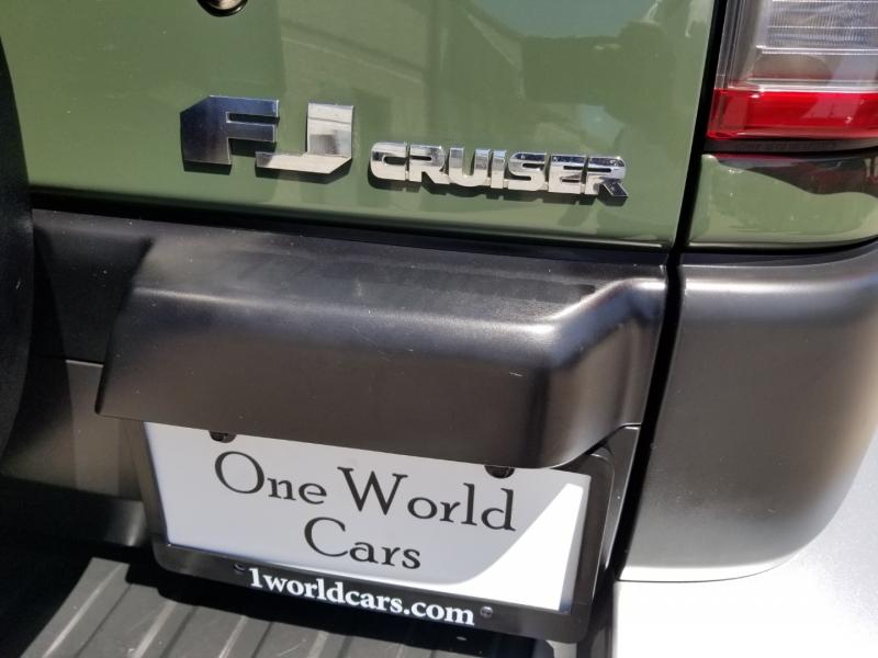 Toyota FJ Cruiser 4WD Manual 1 Owner 2013 price $32,995 Cash