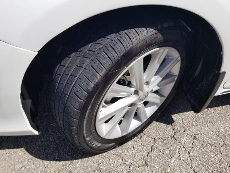 Toyota Camry XLE 1 Owner Nav 2014 price $10,495 Cash