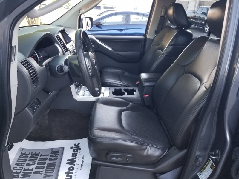 Nissan Pathfinder Silver 1 owner Leather 2011 price $11,995 Cash